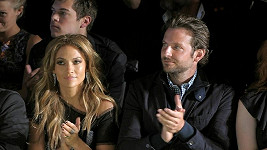 Jennifer Lopez a Bradley Cooper.