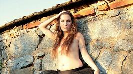 Anna Basiková se ráda předvádí.