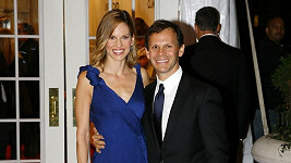 Hilary Swank s Johnem Campisim.