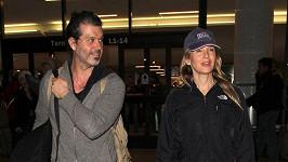 Renée Zellweger a Doyle Bramhall II. na letiští v Los Angeles