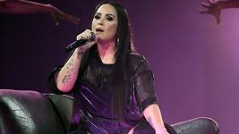 Demi Lovato pobude v léčebně několik měsíců.