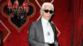 Legendární německý návrhář Karl Lagerfeld.