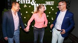 Janis Sidovský a Pavel Vítek oslavili s přáteli třicet let společného života.