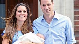 William s Catherine po odchodu z porodnice s Georgem v náručí.