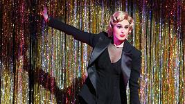 Rumer zužitkovala své taneční zkušenosti ze soutěže Dancing With The Stars.