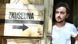 Český zpěvák se touží prosadit ve světě.