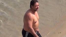 Russell Crowe na dovolené v Řecku