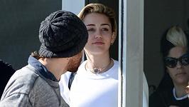 Miley byla s Kellanem spatřena už několikrát.