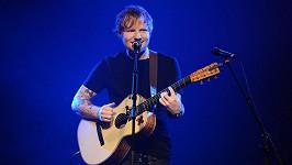 Světová megastar Ed Sheeran se vrací do Prahy.