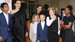 Angelina Jolie s rodinou