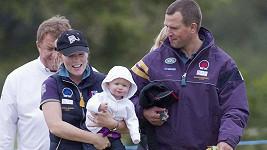 Královská rodinka: Peter a Autumn Phillipsovi s prvorozenou dcerkou Savannah.