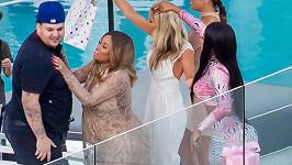 Rob Kardashian s Blac Chynou a jejich přáteli na jejich baby shower...