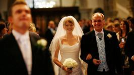 O cestě uličkou k oltáři sní nejedna nevěsta... Ilustrační foto