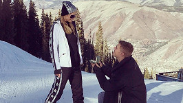 Paris Hilton se zasnoubila s hercem Chrisem Zylkou