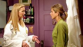 Lisa Kudrow a Jennifer Aniston v seriálu Přátelé