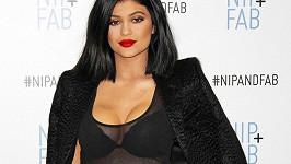 Z Kylie Jenner už je ženská se vším všudy...