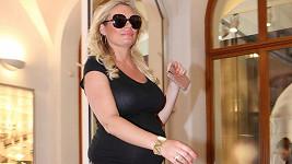 Lucie Borhyová zanedlouho přivíta nového člena rodiny.