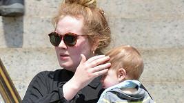 Adele se nehodlá se svým otcem setkat. Obměkčí ji jeho nemoc?
