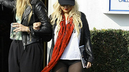 Christina Aguilera si vybírá poměrně nevkusné outfity.