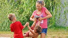 Lucce dělají radost její dva synové.