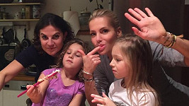 Dámskou jízdu si holky udělaly na Moravě a napekly 11 druhů cukroví