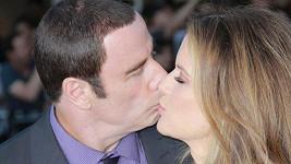Manželé se k sobě na premiéře filmu Divoši měli.