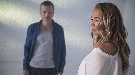 Lucie Vondráčková a Matěj Hádek v klipu