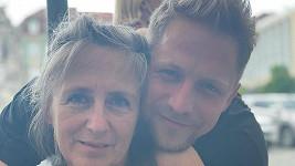 Tomáš Klus s maminkou
