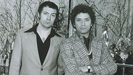 Lewis Collins a Martin Shaw (vpravo) v seriálu Profesionálové