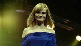 Iva Pazderková a její rozhádaná ňadra.