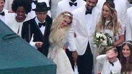 Svatba Ashlee Simpson a Evana Rosse se konala na zahradě domu jeho matky Diany Ross.