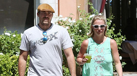 Britney Spears se s Davidem Lucadem rozešla.