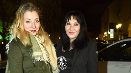 Anička Slováčková (vlevo) s maminkou Dádou Patrasovou
