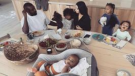 Kim Kardashian s manželem a ratolestmi