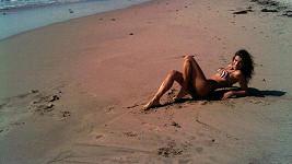 Italská herečka a modelka Elisabetta Canalis v bikinách.