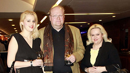 Ornella Štiková se svými rodiči. Došlo k jejich velkému usmíření.