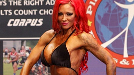 Jodie Marsh na soutěži UKBBF v bodybuildingu.