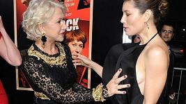 Jessica Biel byla z odvážného chytnutí Helen Mirren zaskočená.