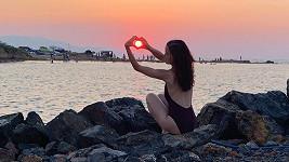 Lilia Khousnoutdinová si po velkolepých zásnubách užívá na Krétě.