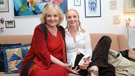 Gabriela Vránová se sestrou Miriam na archivním snímku