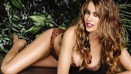Na této sexy herečce producenti nešetří...