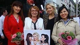 Tři krásné pěvkyně nafotily sexy snímky.