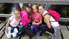 Tohle jsou všechny ženy Lukáše Konečného: manželka Jarka, dcery Andulka a dvojčata Jaromíra a Barborka