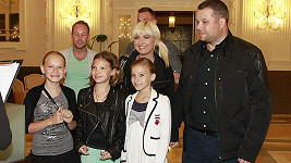 Skupina Báry Nesvadbové připomínala školní výlet.