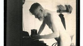 Zcela nahý dramatik George Bernard Shaw.
