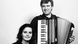 Eva a Vašek na jejich prvním vystoupení v Rakousku v roce 1991