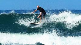 Jason Statham odjel na Havaj bez své Rosie.