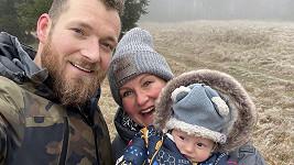 Vendula Pizingerová s manželem a synem