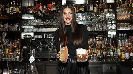 Aneta měla příležitost vyzkoušet si, jaké to je na druhé straně baru.