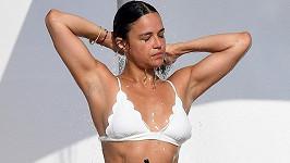 Michelle Rodriguez vypadá v bikinách božsky.